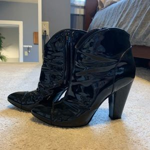 BURBERRY Black Patent Leather Booties